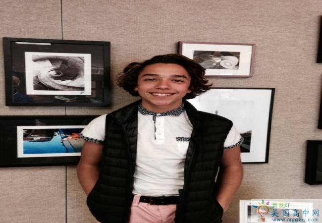 Cushing Academy -库欣中学-Cushing Academy学生在彼得舍姆艺术中心展示艺术.