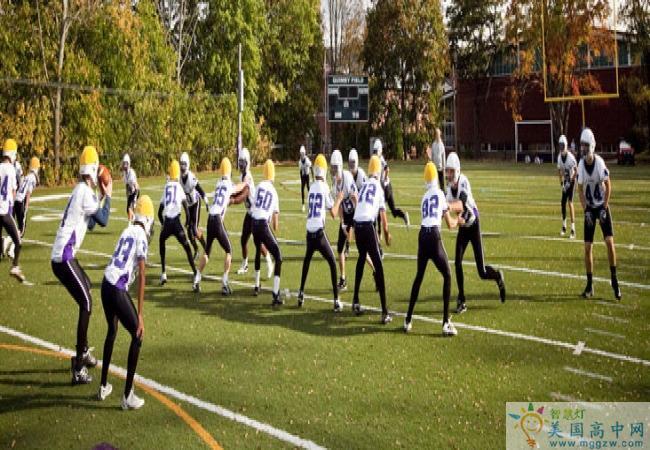 Cushing Academy -库欣中学-Cushing Academy的橄榄球比赛