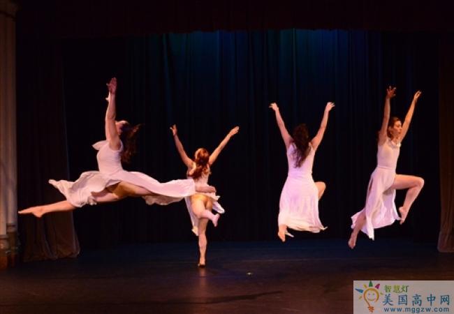 Cushing Academy -库欣中学-Cushing Academy的舞蹈表演