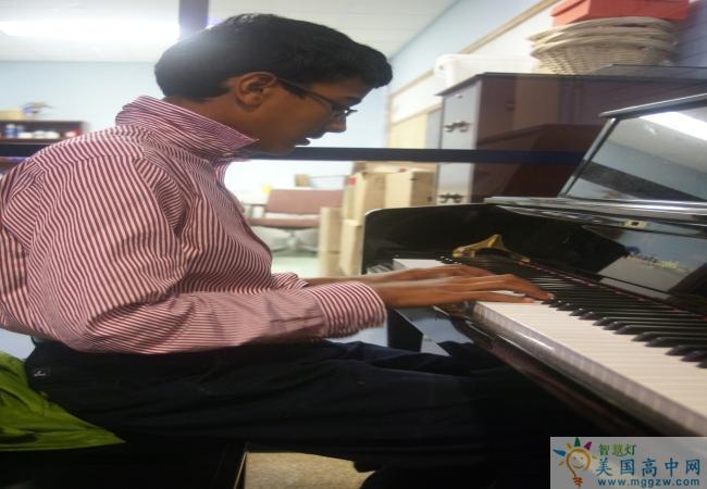 Hillside School-希尔赛德男子中学-Hillside School的钢琴演奏