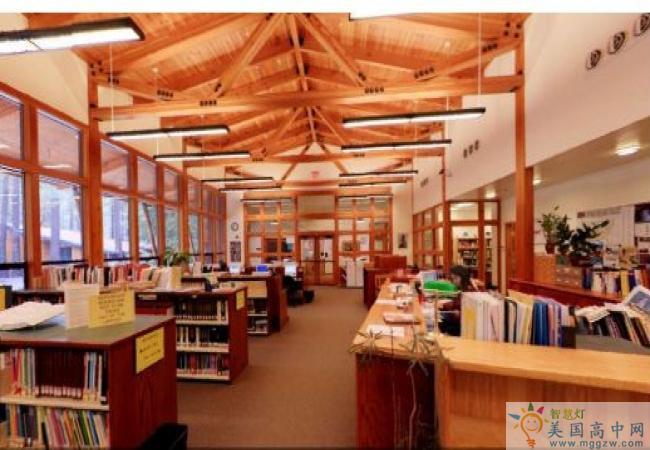 Idyllwild Arts Academy -埃迪怀德艺术高中-Idyllwild Arts Academy 的图书馆