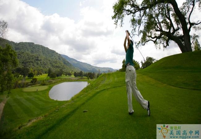 Ojai Valley School-欧佳谷中学-Ojai Valley School的高尔夫训练