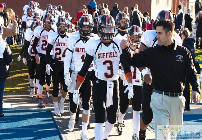 Suffield Academy-萨菲尔德高中-Suffield Academy准备参加比赛的运动员