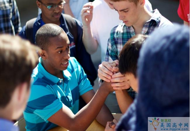 The Thacher School -撒切尔高中-Thacher School的扳手腕比赛