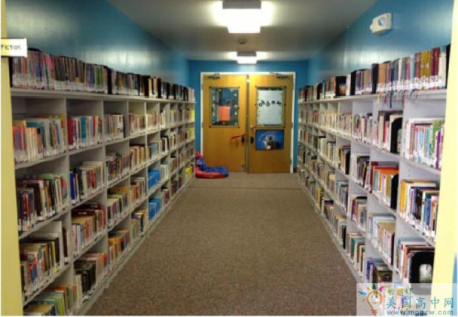 Burlington Christian Academy-伯林顿基督中学-Burlington Christian Academy图书馆.png