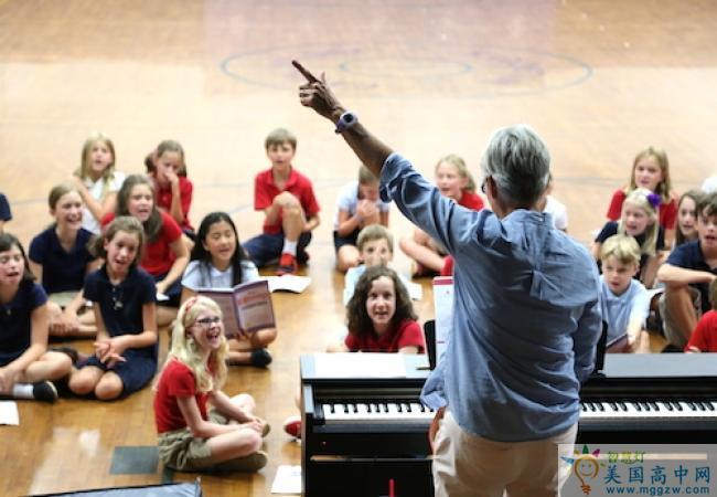 Carolina Day School-卡罗莱纳日中学-Carolina Day School的音乐演奏.JPG