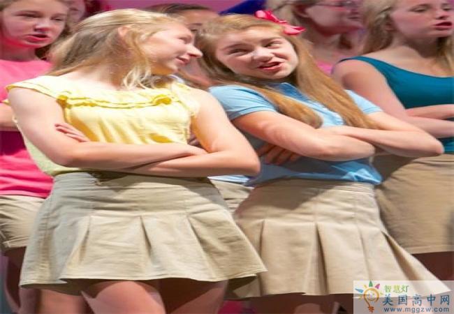 Carolina Day School-卡罗莱纳日中学-Carolina Day School的学生合影.jpg