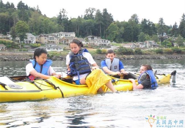 Charles Wright Academy-查尔斯赖特中学-Charles Wright Academy的水上活动.jpg