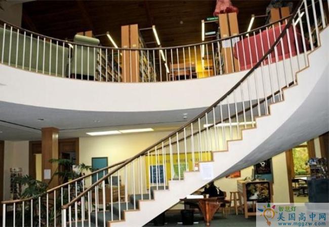 Foxcroft School -福克斯福特女子中学-Foxcroft School的图书馆