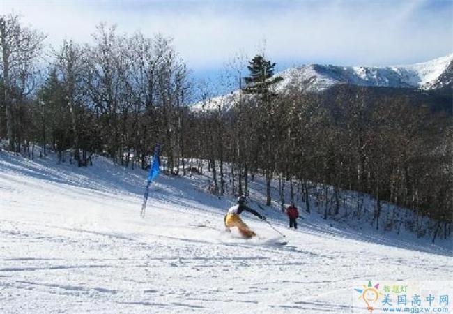 Fryeburg Academy-福莱伯中学-Fryeburg Academy的滑雪活动