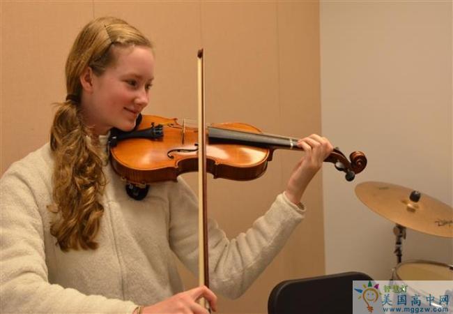 Grier School-葛瑞尔女子中学-Grier School的小提琴演奏