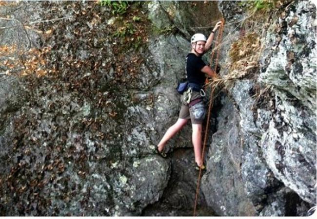 Holderness School -胡德尼斯中学-Holderness School的攀岩运动