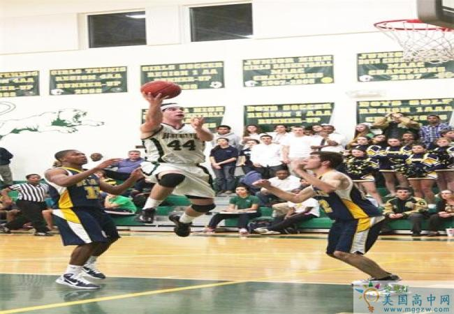 Holy Spirit Preparatory School-思博瑞特中学-Holy Spirit Preparatory School的篮球比赛.jpg