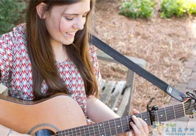 Salem Academy-塞伦女子中学-Salem Academy的吉他弹奏