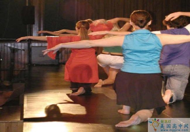 Shattuck-St. Mary's School-沙特克圣玛丽高中-ShattuckStMarys School的舞蹈训练
