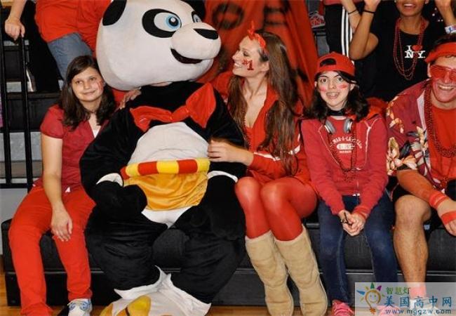 St. Andrew's School - RI -圣安德鲁中学(罗德岛)-StAndrews School - RI的啦啦队与吉祥物