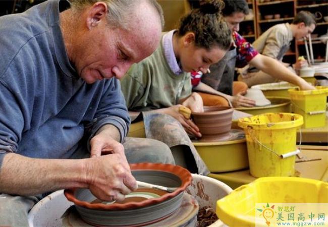 St. Johnsbury Academy -圣约翰博锐中学-StJohnsbury Academy的陶器制作