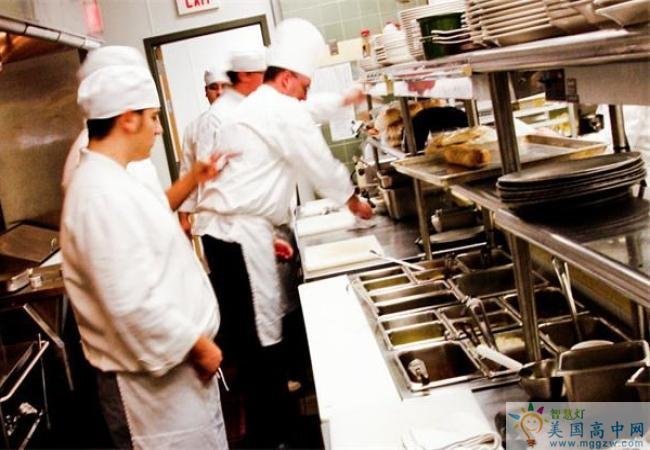 St. Johnsbury Academy -圣约翰博锐中学-StJohnsbury Academy的餐厅