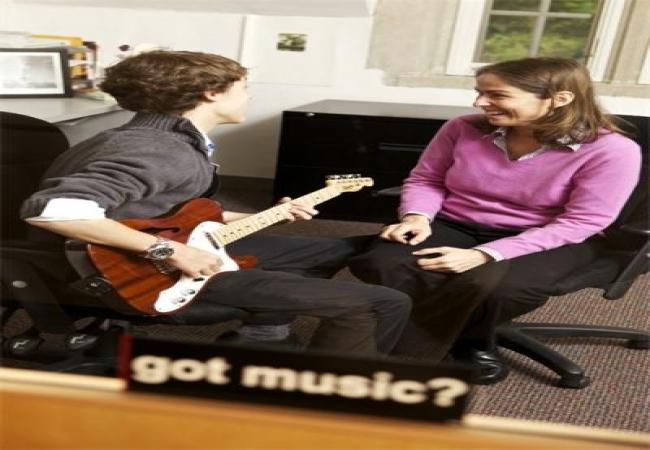 The Hun School of Princeton -普林斯顿胡恩高中-Hun School of Princeton的吉他弹奏