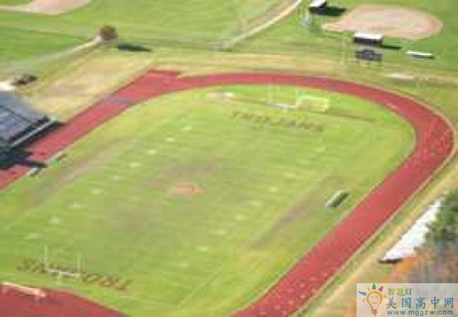 Thornton Academy -桑顿中学-Thornton Academy的操场