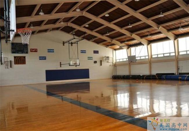 Trinity Pawling School-圣三一珀林男子中学-Trinity Pawling School的篮球场