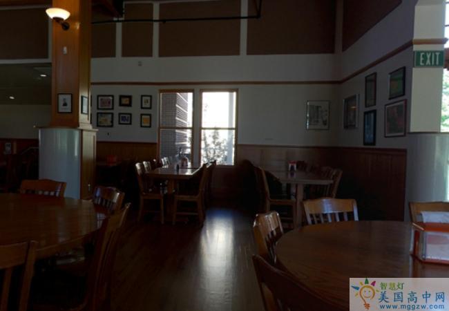 Wasatch Academy-瓦萨琪中学-Wasatch Academy的餐厅
