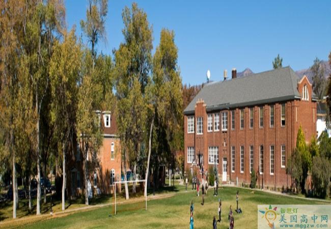 Wasatch Academy-瓦萨琪中学-Wasatch Academy的校园环境