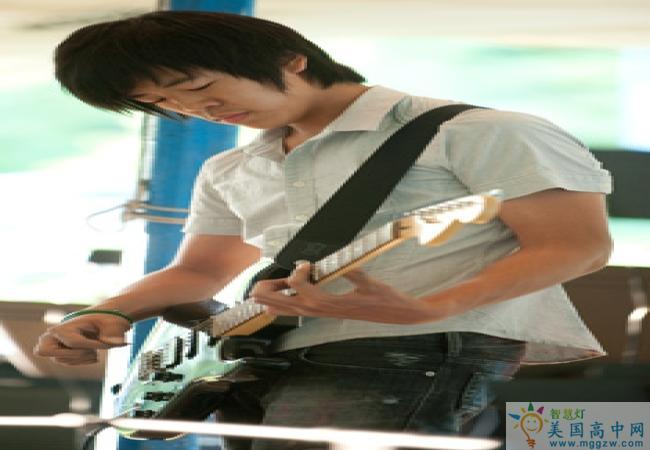 Western Reserve Academy-西储中学-Western Reserve Academy的吉他弹奏